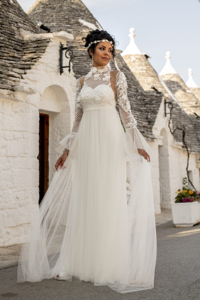 perth wedding dress lace detachable sleevesgown beaded Perth bridal elegant collection feminine elegant stunning italian modern bride A-line boho high neck sleevesunique